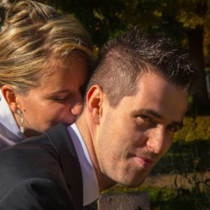 esküvőfotózás jegyesfotózás pár csók